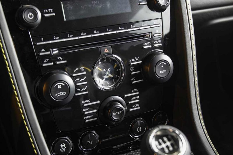 Car-Revs-Daily.com -- 2014 Aston-Martin N430 Vantage 136