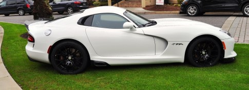 2014 SRT Viper TA in 25 All-New, Real-Life Photos with Carbon Aero Styling Options 17