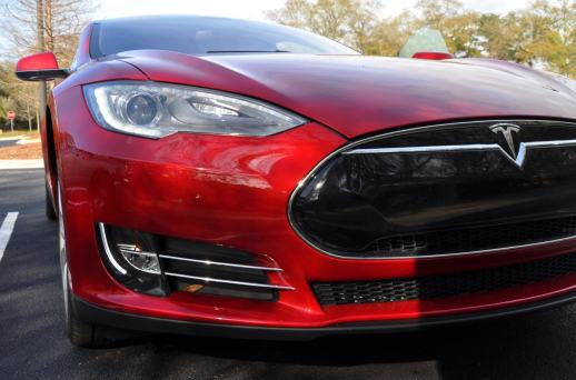 2014 TESLA Model S 85 -- Road Test Video Review -- 1500-words -- 250 Images -- Smooth Power, Great Dynamics, Unequivocal EV Brilliance 21