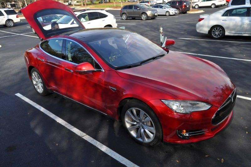 2014 TESLA Model S 85 -- Road Test Video Review -- 1500-words -- 250 Images -- Smooth Power, Great Dynamics, Unequivocal EV Brilliance 24