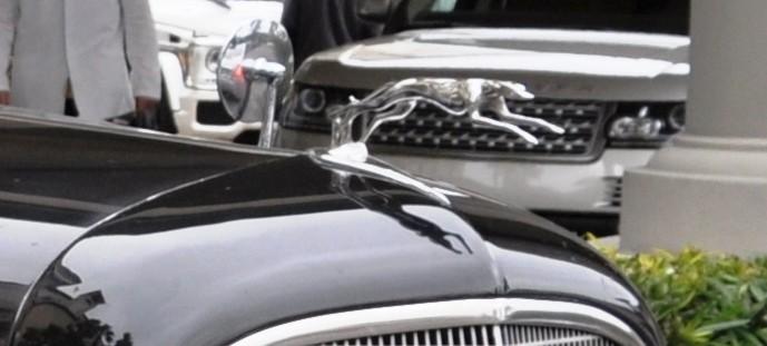 Car-Revs-Daily Classics Quiz -- Name This V12 Tourer 2