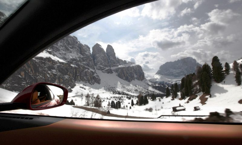 Car-Revs-Daily.com -- Ferrari FF is Monday-Sunday V12 Supercar 180
