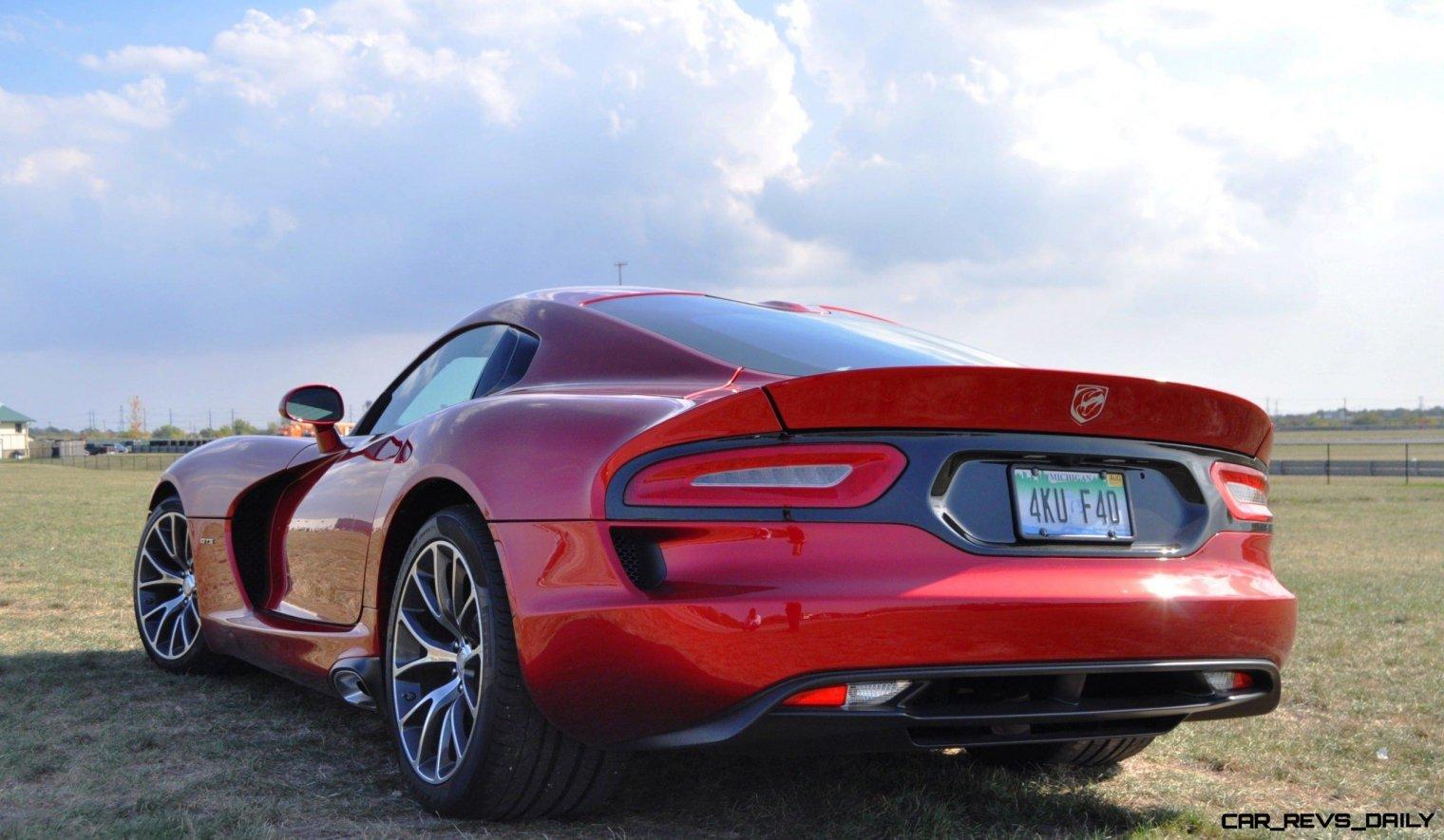 CarRevsDaily.com - 2014 SRT Viper GTS - Huge Wallpapers18