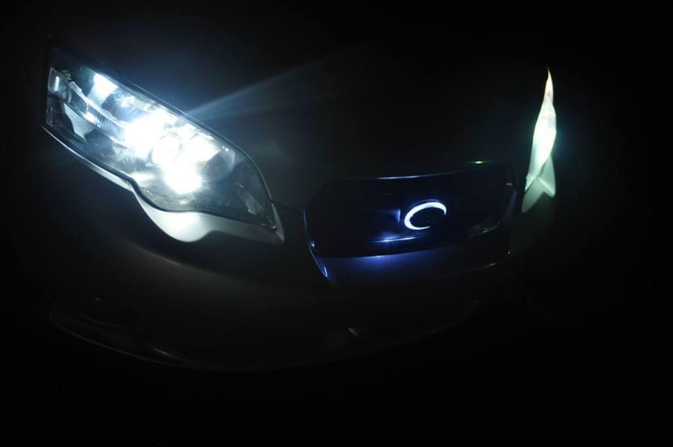DIY LED lights and LED subaru badge emblem_7695830808_l