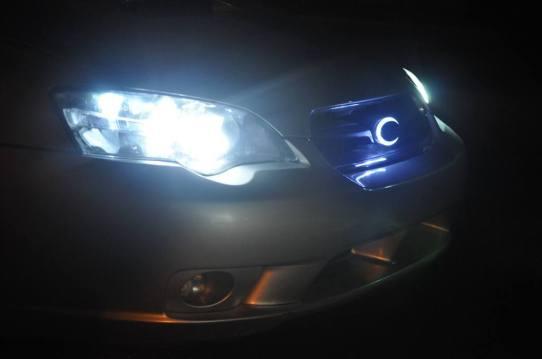 DIY LED lights and LED subaru badge emblem_7695833626_l