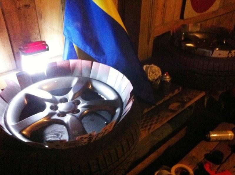 DIY how to paint wheels plastidip primer_7176321846_l