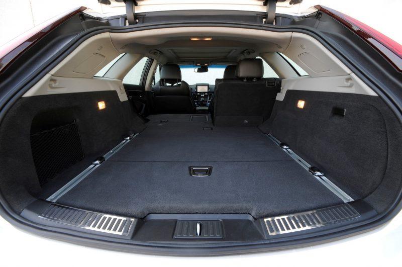 054_Cadillac_CTS-V_Sport_Wagon