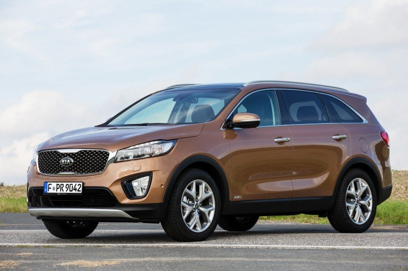 2016 Kia Sorento Debuts in Paris With Jaguar-Baiting Style at Ford Prices 36