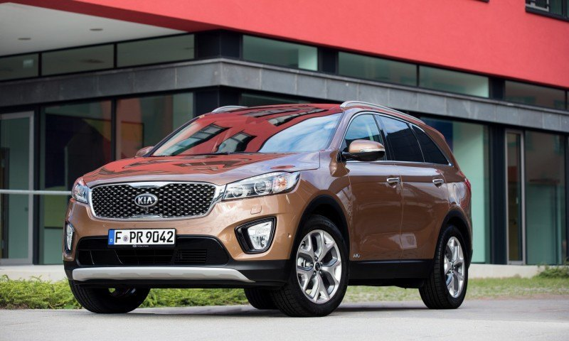 2016 Kia Sorento Debuts in Paris With Jaguar-Baiting Style at Ford Prices 42
