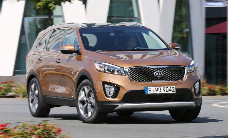 2016 Kia Sorento Debuts in Paris With Jaguar-Baiting Style at Ford Prices 64