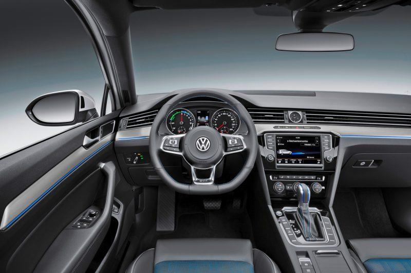2016 Volkswagen Passat GTE Plug-In Hybrid  12