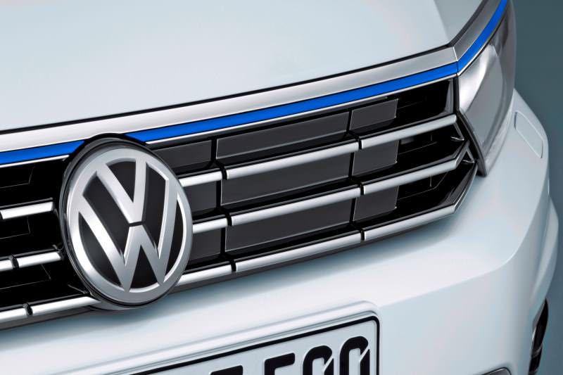 2016 Volkswagen Passat GTE Plug-In Hybrid  6