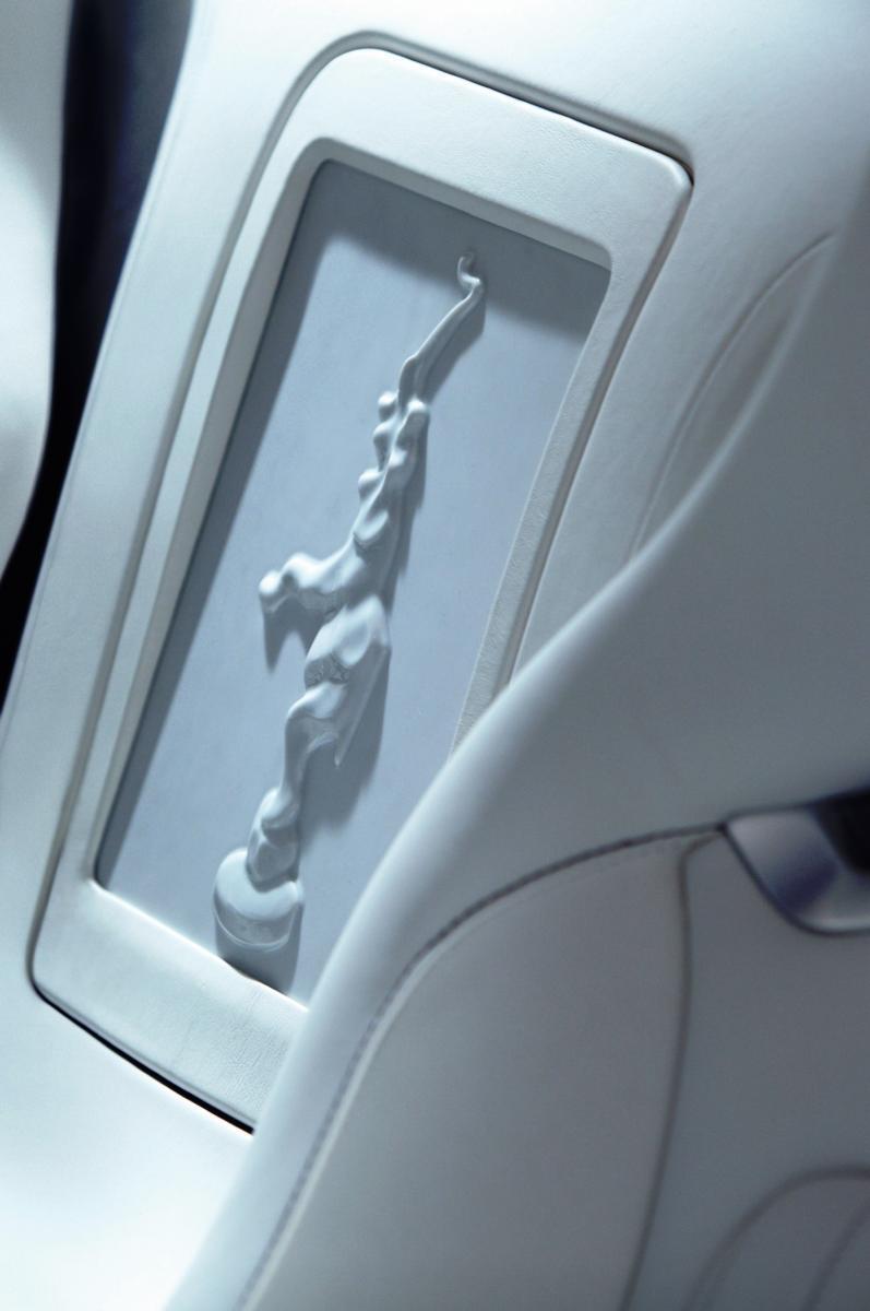 2011 Bugatti Veyron L'Or Blanc 6