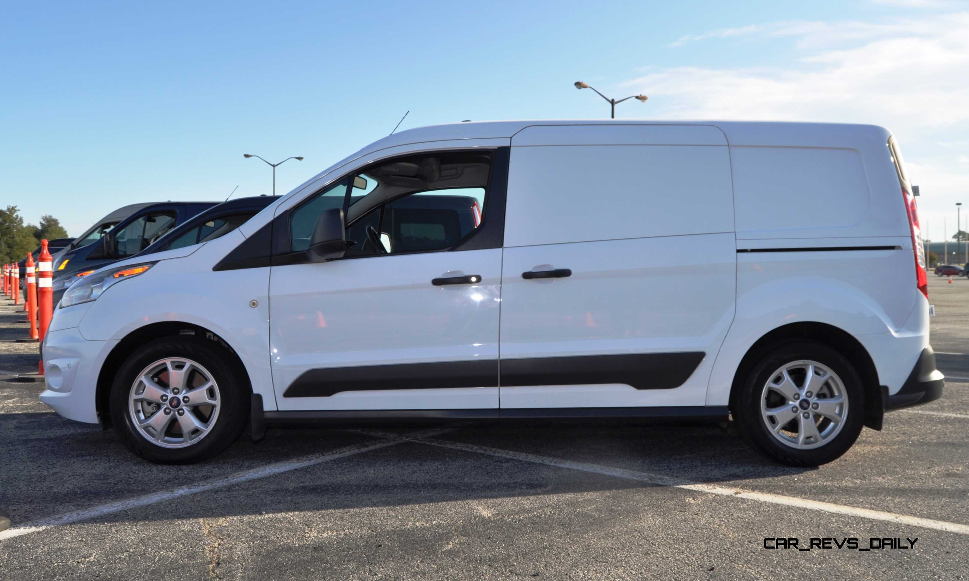 832 Conmpare Transit Ford 2015 Connect