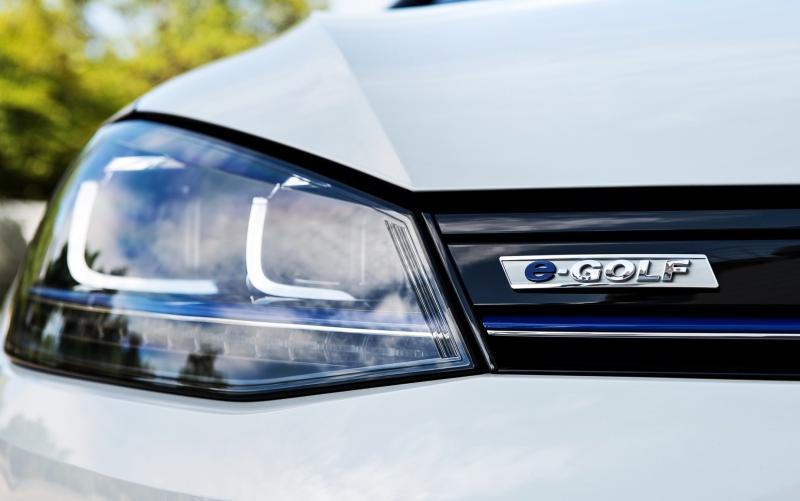 2015 Volkswagen e-Golf 14