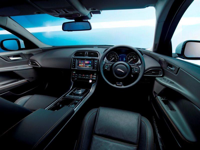 2016 Jaguar XE 23