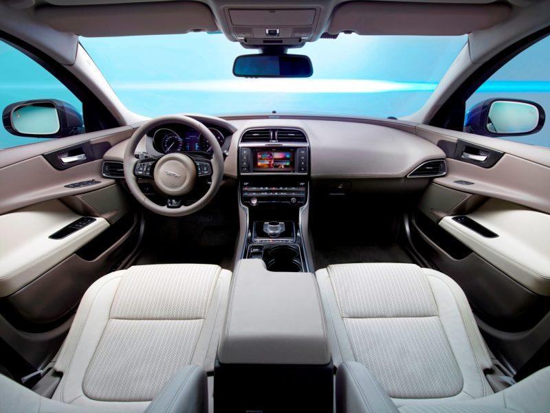 2016 Jaguar XE 7