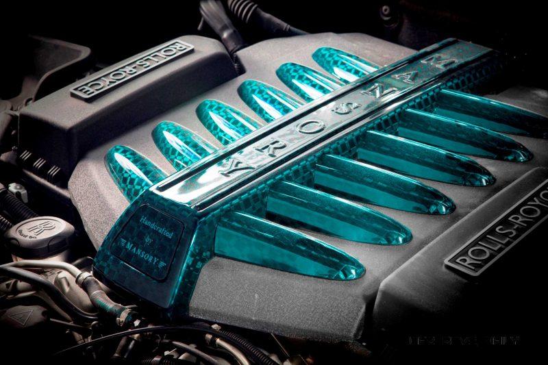 Mansory Bentley Flying Spur versus Mansory Rolls-Royce Wraith 4