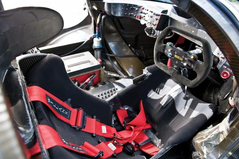 2001 Bentley Speed 8 LMP1 32