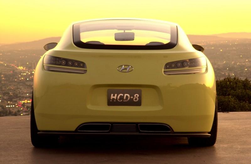 2004 Hyundai HCD-8 Sports Tourer Concept 17