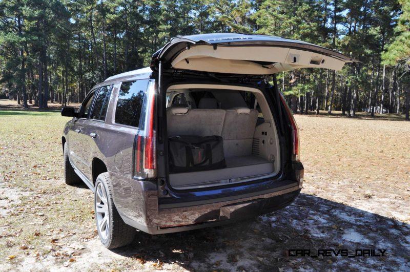 2015 Cadillac Escalade Luxury AWD 28