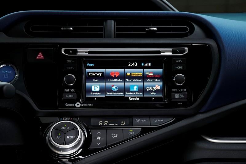 2015 Toyota Prius C 4