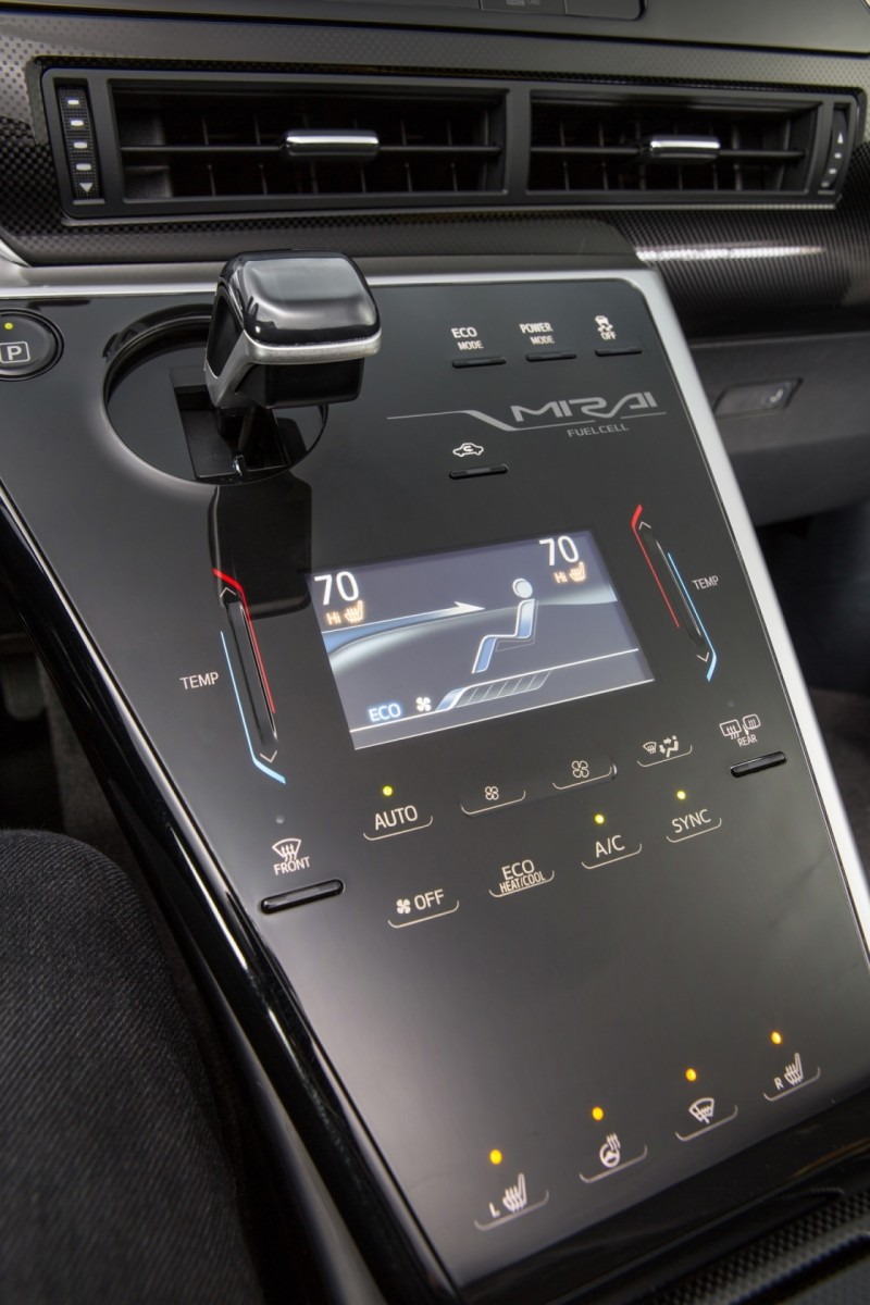 2016 Toyota Mirai 7
