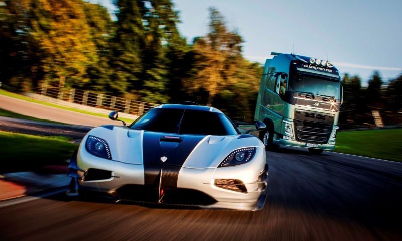 Fifth Gear's Tiff Needell Presents - Volvo FH Truck vs Koenigsegg One1 19