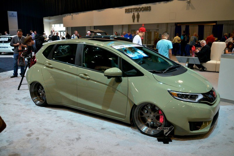 SEMA 2014 Showfloor Photo Gallery - The CARS 8