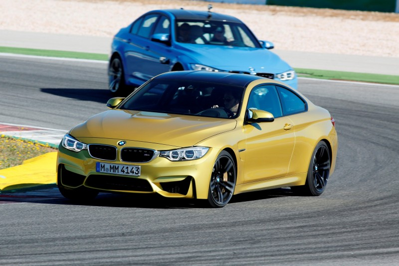 Track Drive Video - 2015 BMW M4 9