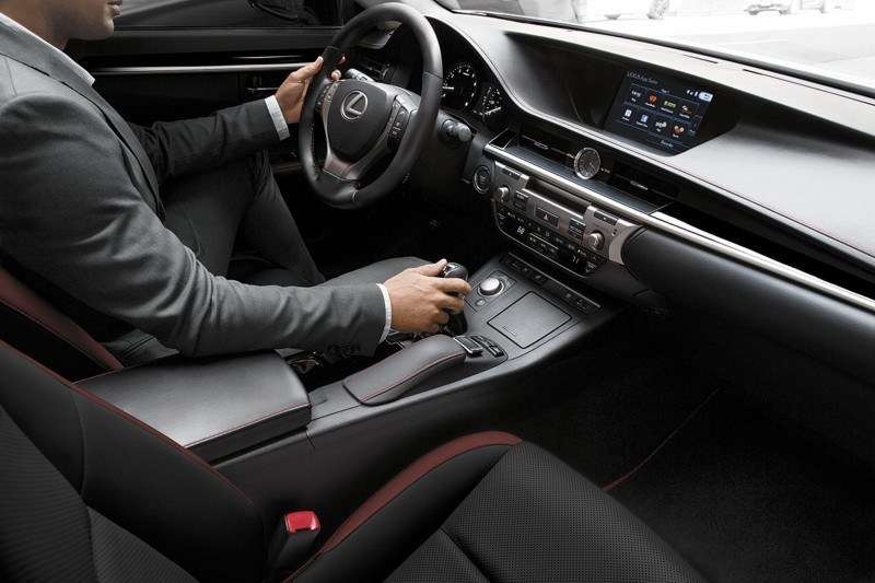 2015 Lexus Crafted Line Debuts at Pebble Beach with Five TUMI-Styled Production Models 2