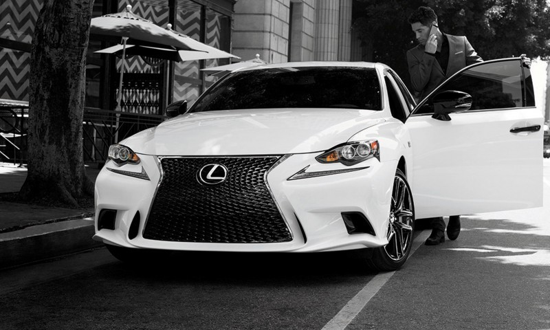 2015 Lexus Crafted Line Debuts at Pebble Beach with Five TUMI-Styled Production Models 9