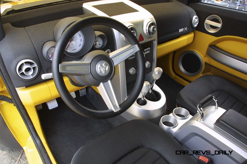 2002 Dodge M80 Concept 21