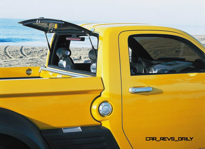 2002 Dodge M80 concept vehicle. (CV-0215)