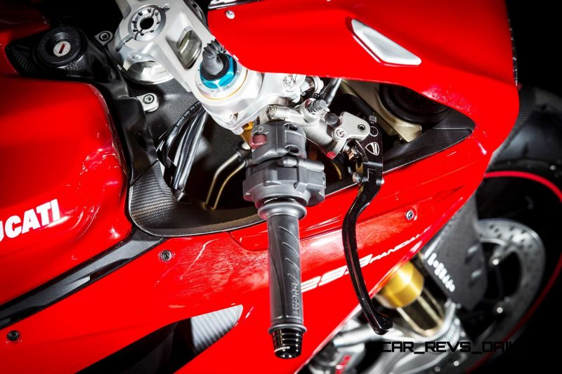 128-1299PanigaleS_accessoriesed_33