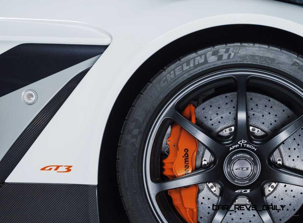 2015 Aston Martin VANTAGE GT3 16