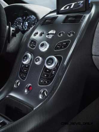 2015 Aston Martin VANTAGE GT3 20