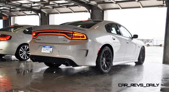 2015 Dodge Charger SRT HELLCAT Review 21