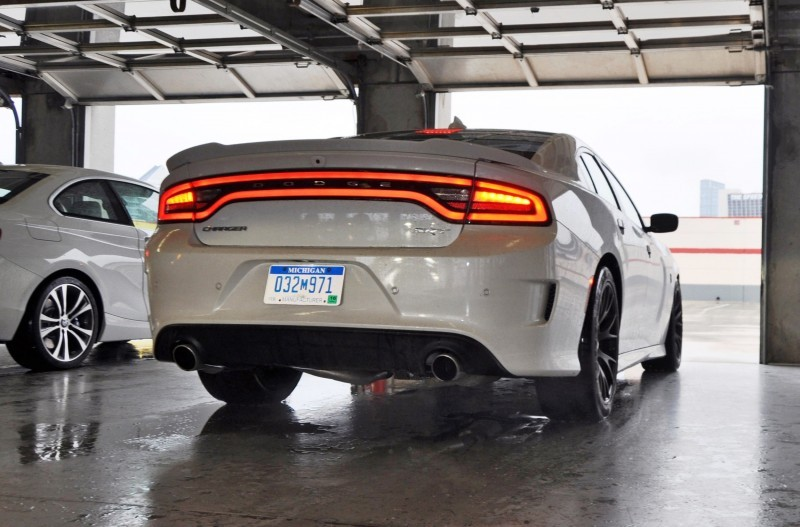 2015 Dodge Charger SRT HELLCAT Review 23