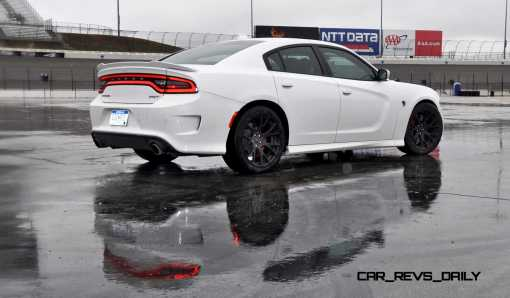 2015 Dodge Charger SRT HELLCAT Review 59