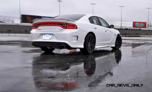 2015 Dodge Charger SRT HELLCAT Review 63
