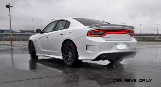 2015 Dodge Charger SRT HELLCAT Review 73