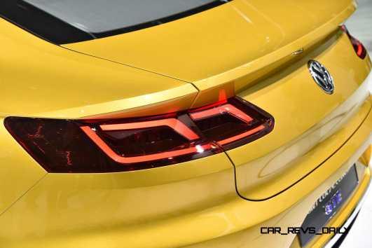 2015 Volkswagen Sport Coupe Concept GTE 13