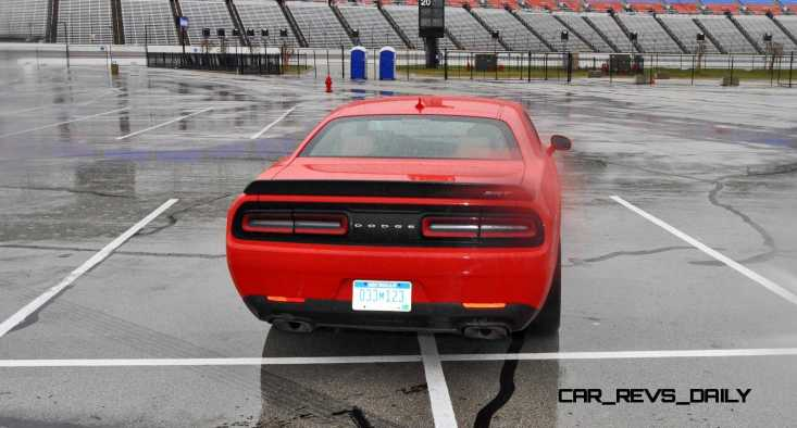 2015 Dodge Challenger SRT HELLCAT 35