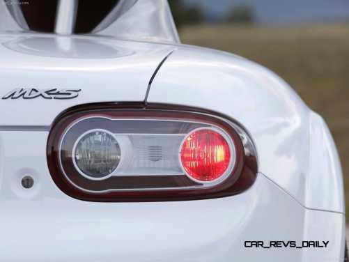 Mazda-MX-5_Superlight_Concept_2009_1600x1200_wallpaper_38