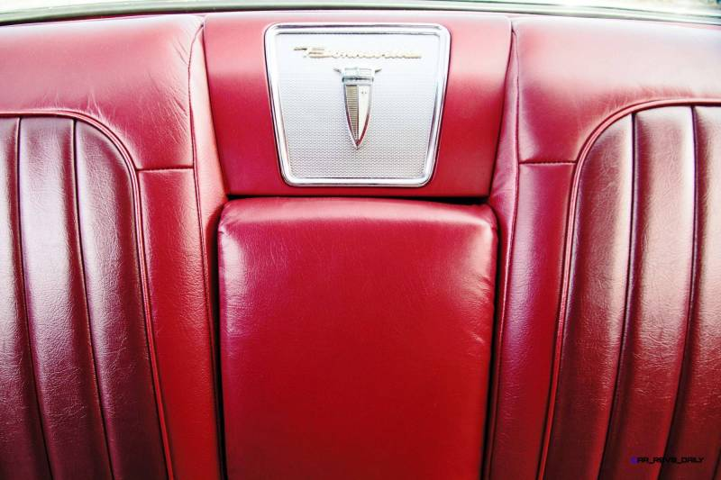 1960 Pontiac Bonneville Sport Coupe 15