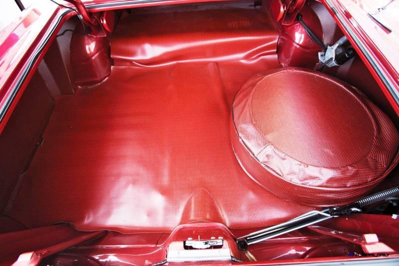 1960 Pontiac Bonneville Sport Coupe 18
