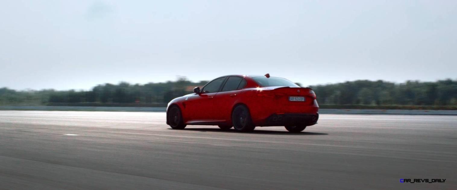2016 Alfa Romeo Guilia Dynamic Screencaps 31