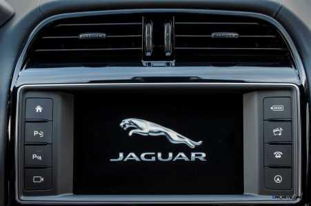 Jaguar_XE_details_019__1__(108522)