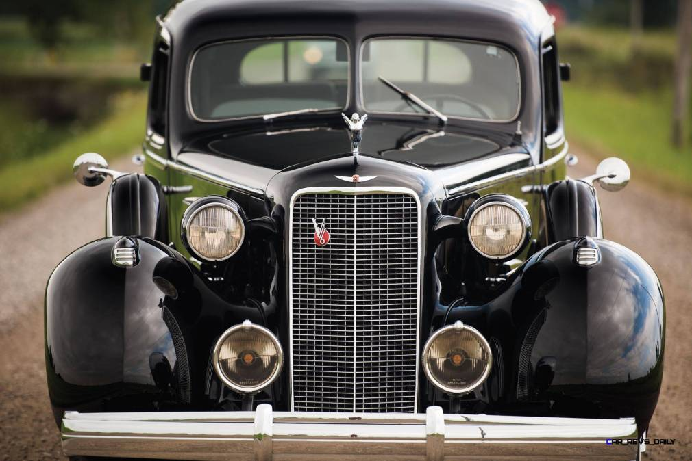 1937 Cadillac V16 Fleetwood Limousine 8
